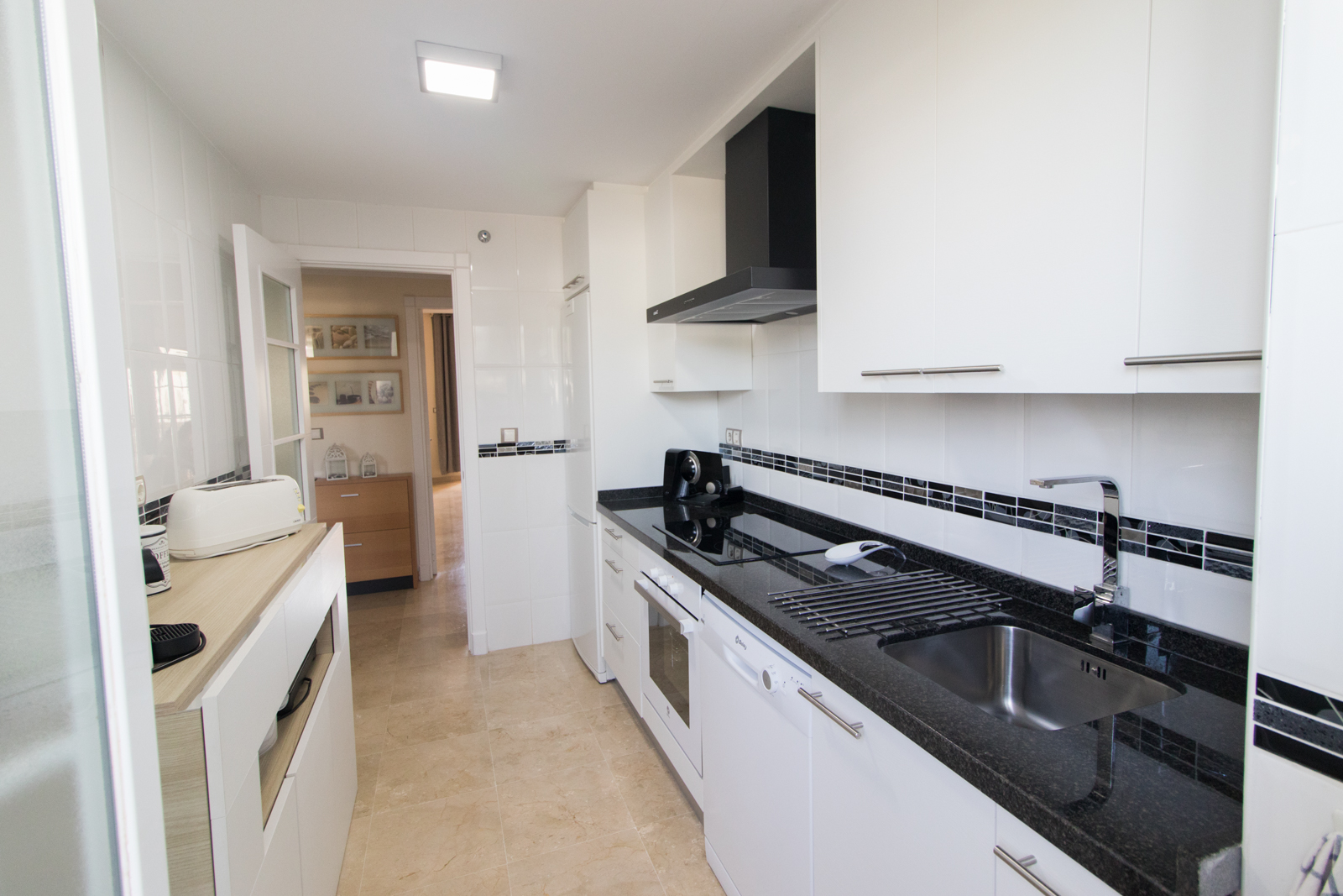 Residencial Duquesa Apartment: Kitchen